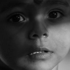 by Suman Nag - Babies & Children Child Portraits ( child, innocemt, immotion, photography, portrait,  )
