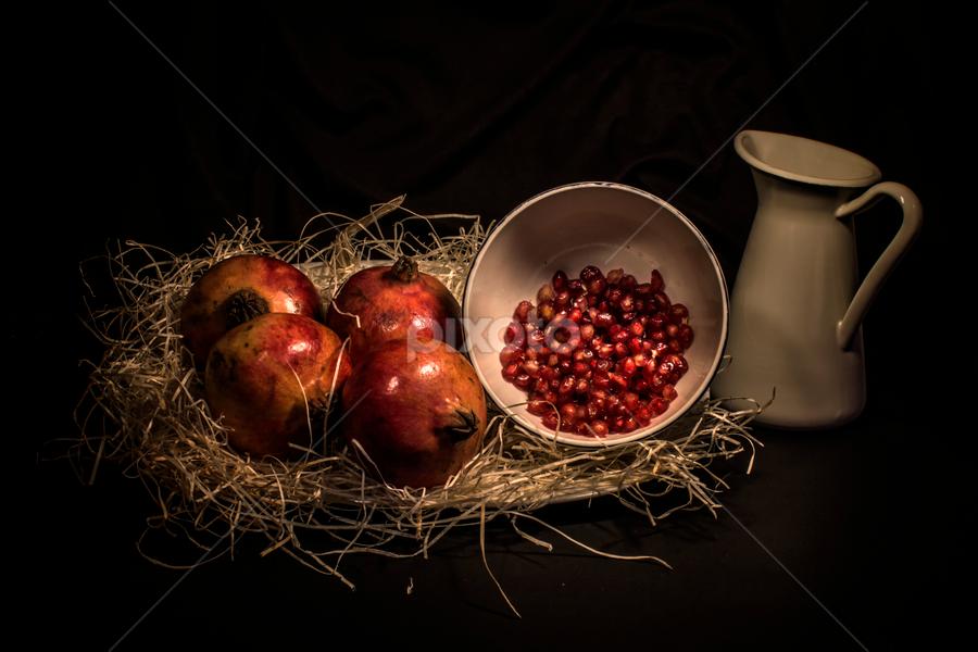 Granadas by Eduardo Latorre - Food & Drink Fruits & Vegetables ( bodegón, fruit, granadas, still life, fruta, food, comida,  )