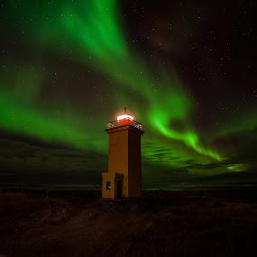 Meet the Lights by Guðmundur Hjörtur - Landscapes Starscapes