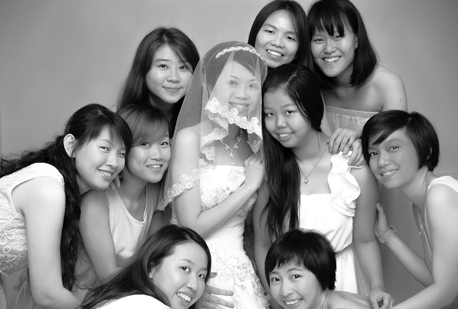 Sisters by Leong Hau - Wedding Groups
