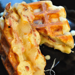 Bacon-Waffle-Grilled-Cheese Sammich.