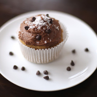 Healthy Coconut Quinoa Cupcakes with Chocolate Frosting (sugar free, low fat, high protein, gluten free, vegan).