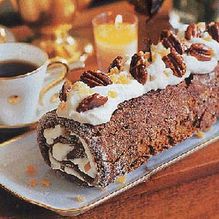 Ginger-Pecan Roulade with Honey-Glazed Pecans