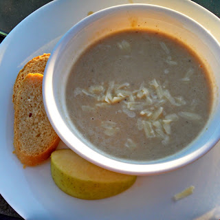 Meatless Monday ~ Slow Cooker Roasted Apple Cheddar Soup