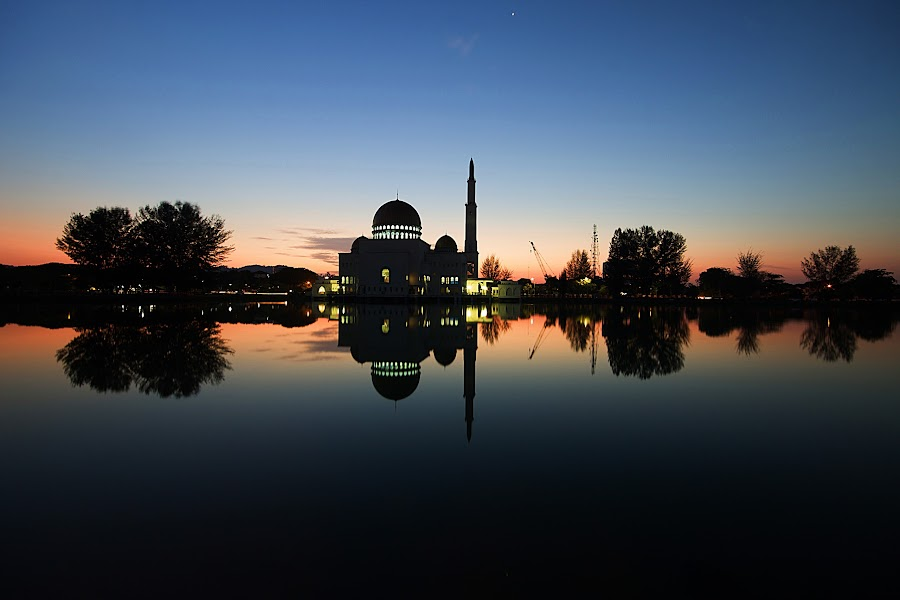 Silhouette at Sunrise by Jali Razali - Landscapes Sunsets & Sunrises ( , silhouette )
