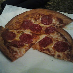 Went simple with pepperoni only. I loved it (: