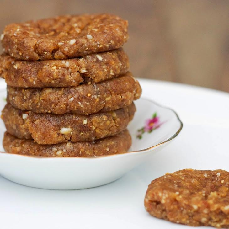Raw Peanut Butter Cookies [Vegan, Raw, Gluten-Free]