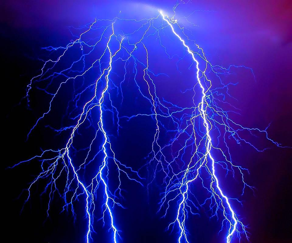 thunder and lightning Lightening vs lightning the english words lightening and lightning are only one letter apart in spelling and pronunciation, but worlds it refers to the meteorological phenomenon that is followed by thunder lightning tends to strike the tallest thing in its vicinity.
