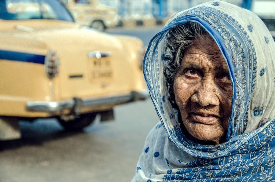 on the way we see by Sudeshna Ritu Sarkar - People Street & Candids