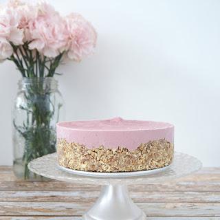 Gluten-Free Vegan Raw Strawberry Cheesecake