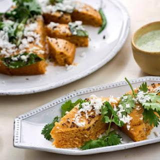 Sooji Dhokla (Steamed Semolina Bread)