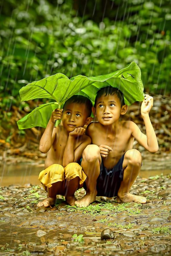 under the umbrella of leaf by Aad S. Ahmad - Babies & Children Children Candids