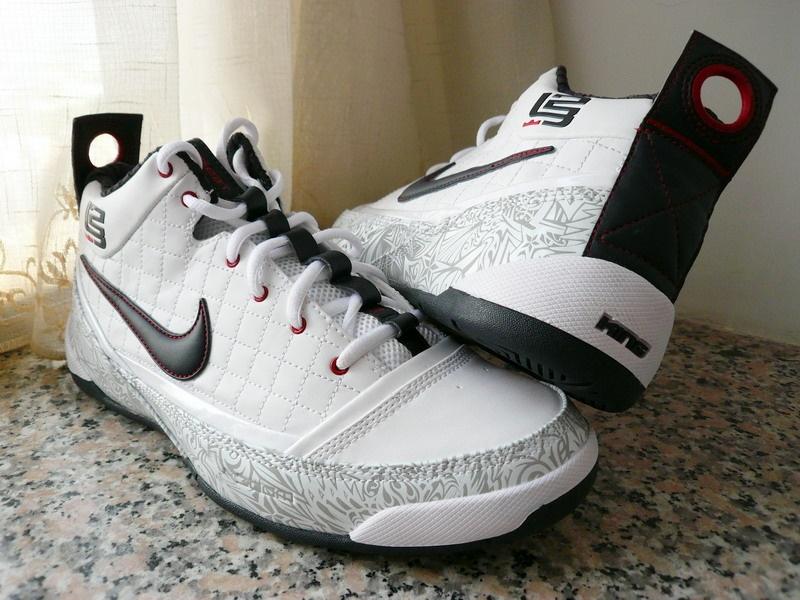Nike LeBron Ambassador USAB 8220United We Rise8221 Detailed Look ... eca7df4144e2