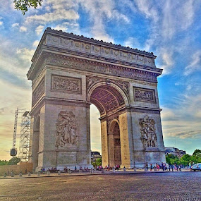 Arch de triomphe  by Tina K - Instagram & Mobile iPhone ( france )