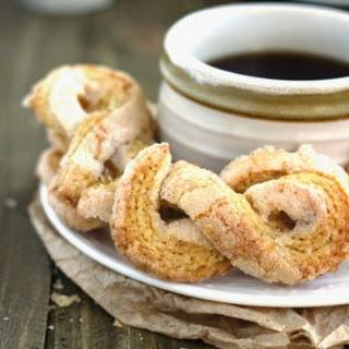 50 Calorie Sugar Twists