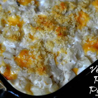 Liquid Gold Cheesy Party Potatoes - #VelveetaRecipes.