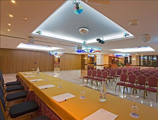 Salon Mediterranean II