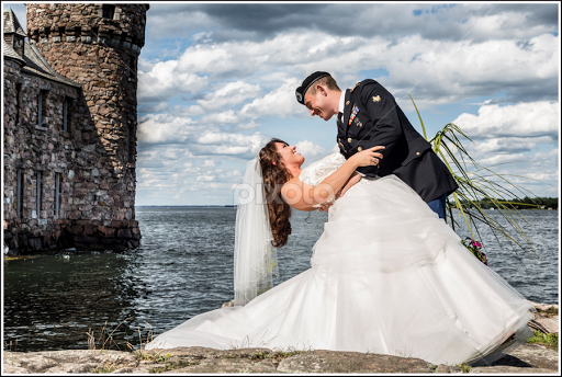boldt castle wedding by kimberly arend porter bride groom photography