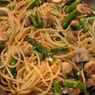 Pasta with Asparagus and Mushrooms.