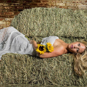 Farmers Daughter by Jeff Dugan - People Fashion ( sexy, blonde, fashion, flowers, country )