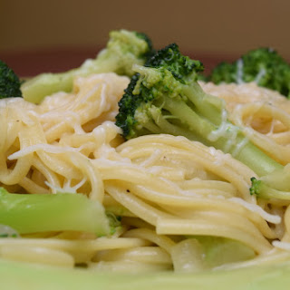 Linguine and Broccoli with Sweet Onion Sauce