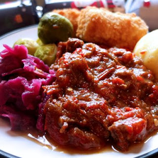 Christmas Goulash with Cranberry Sauce