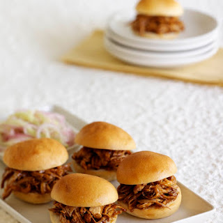 Chicken Sliders with Hoisin Sauce
