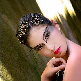 black swan by Banggi Cua - People Fashion ( fashion, blackswan, portrait )