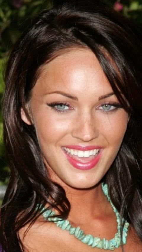 Megan Fox Wallpapers Vol. 2 - screenshot