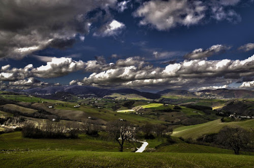 the hills of Le Marche by Frans Scherpenisse - Landscapes Mountains & Hills ( clouds, hills, green, italy )
