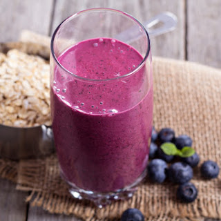 Low Calorie Berries & Oats Smoothie