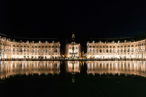 Water-Mirror-Bordeaux-France - Miroir d'eau (Water Mirror), next to the Place de la Bourse in Bordeaux, France.