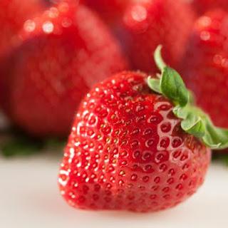 Suzi's Strawberry Soda Pop Cake