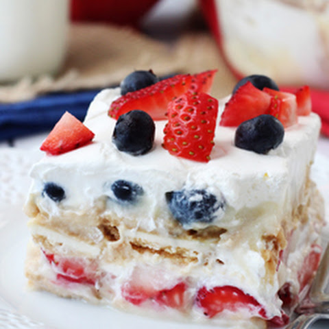 Strawberry Cake With Frozen Strawberries Cool Whip Topping