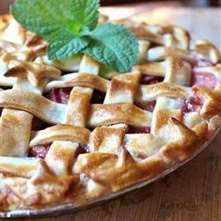 Strawberry Raisin Rhubarb Pie