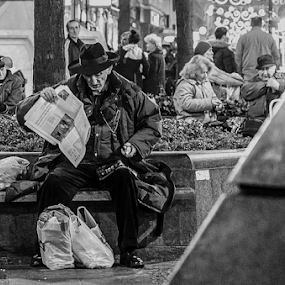 Reader by Stefan Stevanovic - City,  Street & Park  Street Scenes ( belgrade streets, streetphotography, old, black and white, belgrade, street, street scene, street photography, blackandwhite, street life, night photography, serbia, streets, , Urban, City, Lifestyle, Travel, People, Culture )