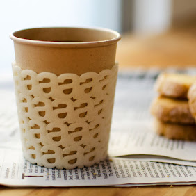 Small A Lined PaperCup Holder