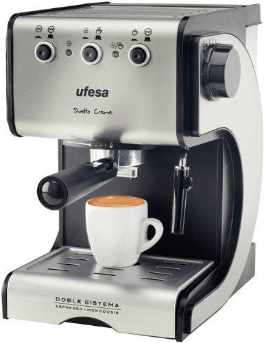 Sensacional café espresso para casa a buen precio con esta cafetera Ufesa CE7141 que ofrece doble opción de preparación de café: mólido y monodosis