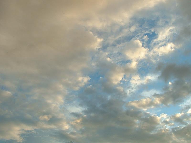 Fotos Gratis Cielos - Nubes suaves de atarceder