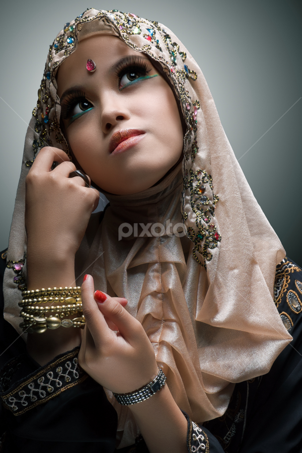 Nia by Nanto 사파이어 - People Portraits of Women ( fashion, jilbab, art, nia, beauty, hijab, portrait )