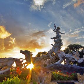 Patung Kesatria Gatotkaca by Henry Rubi - Buildings & Architecture Statues & Monuments ( bali, monuments, kuta, statues, gatotkaca )
