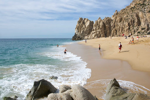 beach-playa-amor-Cabo-Mexico - Playa del amor, a pretty beach in Cabo San Lucas, Mexico.