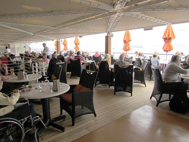 The deck scene outside Terrace Café aboard Oceania Regatta.