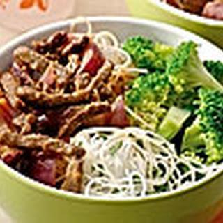 Smoorvlees Met Rode Ui, Broccoli En Bladselderijmihoen