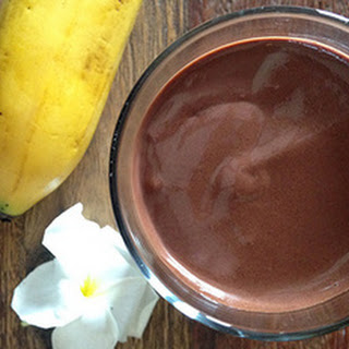 Simple & Rich Vegan Cacao Smoothie (Only Takes 2 Minutes!)