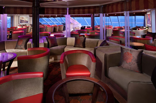 The_Club_S2T - Mingle and make new friends in The Club aboard your Seabourn sailing.