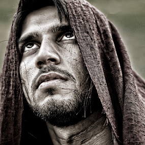 BEHOLD, THE MAN. by Leon Zaragoza - People Portraits of Men