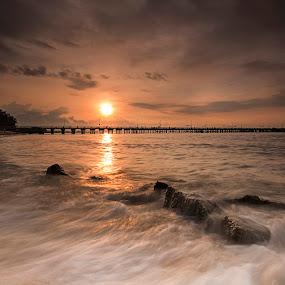 Sunrise by Sherry Zhao - Landscapes Sunsets & Sunrises ( wave, sea, sunshine, sunrise, beach )