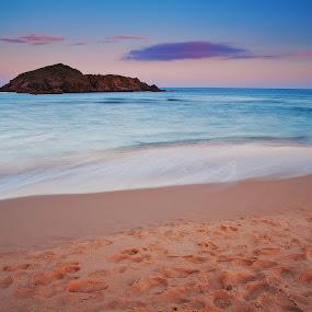 Smooth & Wet by Gabriele Copez - Landscapes Waterscapes ( #sardegna #sardinia #italy #italia #island #longexposure #beach #sky #sea #shore #sand #tides )