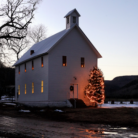 Christmas in Boxley Valley by William Rainey  - Public Holidays Christmas ( holiday, winter, jesus, christmas, reflections, photography, holiday lights )